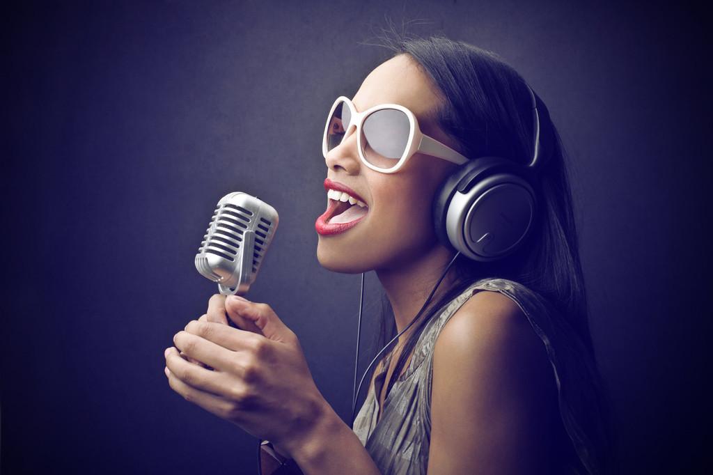 """阿里大文娱新品""""唱鸭""""上线App Store,主打乐器弹唱功"""